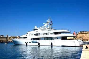iStock-yachtboat (500 x 334)